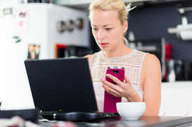 foto of independent woman  - Business woman working from her home - JPG