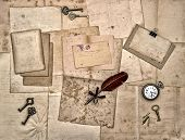 Old Letters And Photos, Vintage Keys, Antique Clock, Feather Pen