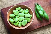 picture of bean-pod  - Raw broad beans  - JPG