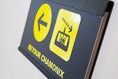 Return chamonix sign