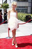 Los Angeles aug 21: Chelsea Staub auf die 62. Primetime creative Arts Emmy bei der Nokia Awards die