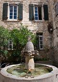 Fountaine Des Mascarons