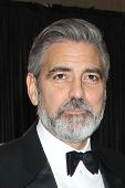 LOS ANGELES - 24 februari: George Clooney arriveert in de 85e Academy Awards, de Oscars presenteert op th