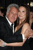 LOS ANGELES - FEB 24:  Dustin Hoffman, Lisa Hoffman arrive at the 85th Academy Awards presenting the