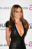 LOS ANGELES - 24 de fevereiro: Britney Spears chega a Elton John Aids Foundation 21 Academy Awards