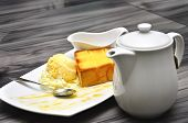 Honey Toast Bread With Vanila Icecream With Tea Pod, Coffee Pod