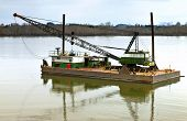 image of workhorses  - Floating barge and heavy duty crane Suvie Island Oregon - JPG