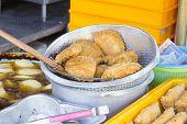 Freshly Deep Fried Curry Puffs