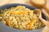 Quinoa Porridge with Apple