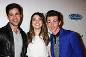 LOS ANGELES - APR 17:  Josh Peck, Miranda Cosgrove, Drake Bell at the  Drake Bell's Album Release Pa