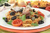 Spaghetti Alla Puttanesca With Capers