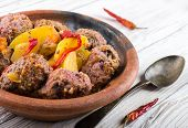 Moroccan meatballs with peppers