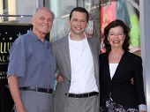 LOS ANGELES - SEP 18:   Jon Cryer & Parents arrives to the Walk of Fame - JON CRYER  on September 27