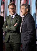LOS ANGELES - 27 SEP: Ryan Gosling & George Clooney komt naar de