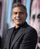 LOS ANGELES - SEP 27:  George Clooney arrives to the
