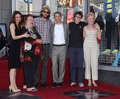 LOS ANGELES - SEP 18:   Jon Cryer, Ashton Kutcher, Angus Jones & Cast arrives to the Walk of Fame -