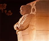 Martin Luther king Denkmal Kirsche blüht am Abend Washington dc