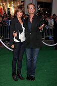 LOS ANGELES - MAY 6:  Lisa Rinna, Harry Hamlin at the