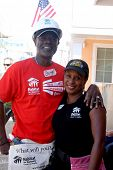 LOS ANGELES - OCT 25:  Glynn Turman, Jo-An Turman at the Habitat for Humanity build by Showtime's