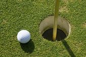Hole in one con la bola tal cierre