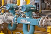 Flow meter for measure oil , liquid and gas in the system, The meter to measure flow condition in oi
