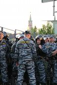 Unknown policemen against the Kremlin on shares of Russian opposition for fair elections