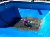 Embotante piscina