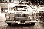 HUA HIN - DECEMBER 19: Mercedes Benz W108 250S, 1965. Vintage Car Parade 2009 at Sofitel Resort on D