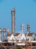 Fumes of the towers of a refinery of chemistry industry