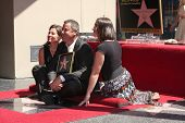 LOS ANGELES - SEP 6:  Amy Grant, Vince Gill, Vince's daughter at the Hollywood Walk of Fame Ceremony