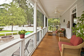 foto of screen-porch  - upscale porch with furniture - JPG