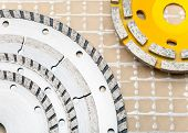 detachable disks for are sharp construction materials and Diamond disks for a concrete abrasion