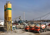 Ready Mix Concrete Batching Plant, Truck Mixer.