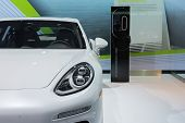 Porsche Panamera S E-hybrid 2015 With Watt Station On Display