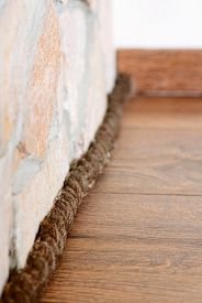 picture of plinth  - Unusual plinth made from rope - JPG