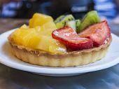 Tartlet with fresh fruit
