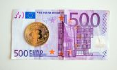 Bitcoin Over Five Hudred Euro Bill