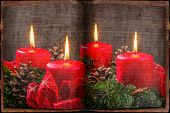 an advent wreath for christmas ensures romatinsche mood in the silent advent.
