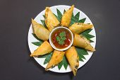 Por Pieer Tod With Cheese Inside Thai Spring Roll