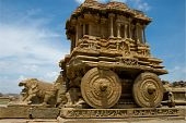 Picture of stone chariot, hampi.