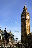 Big Ben con cielo azul