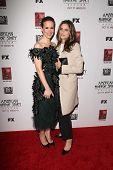 LOS ANGELES - OCT 13:  Sarah Paulson, Amanda Peet arrives at the
