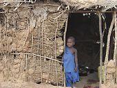 allein junge masai