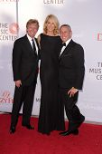 Jesse SpencerLOS ANGELES - JUL 27:  Nigel Lythgoe, Jenna Elfman, Adam Shankman arrives at the 3rd An