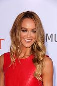 Jesse SpencerLOS ANGELES - JUL 27:  Sharni Vinson arrives at the 3rd Annual Celebration of Dance Gal