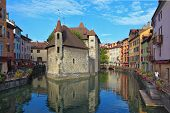 ANNECY, FRANCE - SEPTEMBER 17, 2012: The charming ancient city of  Annecy in Provence. Clear early m