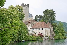 picture of annecy  - Duingt castle on the shores of Lake Annecy - JPG