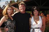 LOS ANGELES, 11 de julho: Ashley Jones, Winsor Harmon, Lesli Kay chega no Fashion Birgit C. Muller