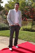 LOS ANGELES, 11 de julho: Don Diamont chega a Birgit C. Muller Fashion Show no rancho de Chaves em Ju