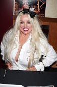 LOS ANGELES - JUL 24:  Mamie Van Doren at the Hollywood Show  at Mariott Hotel on July24, 2010 in Burbank, CA ....